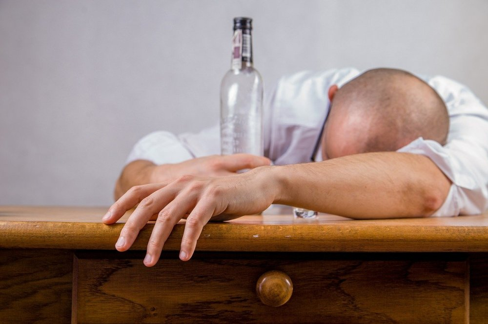 Lad et misbrugscenter hjælpe dig med din pårørendes alkoholproblem